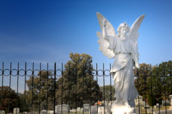 Photo of the angel in a cemetery in Hendersonville, North Carolina.